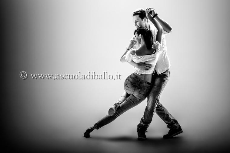 Kizomba, a scuola di ballo